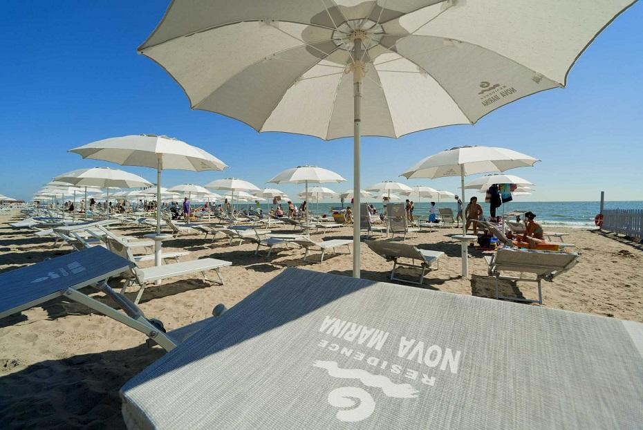 Lettini ombrellone spiaggia